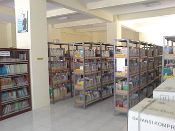 Rak Buku Perpustakaan Umum Gresik