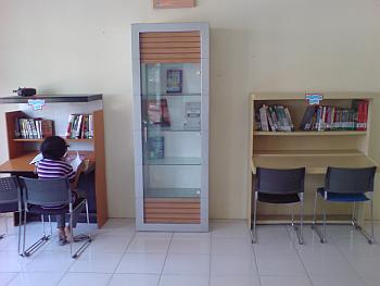 Ruang Baca Perpustakaan umum Gresik